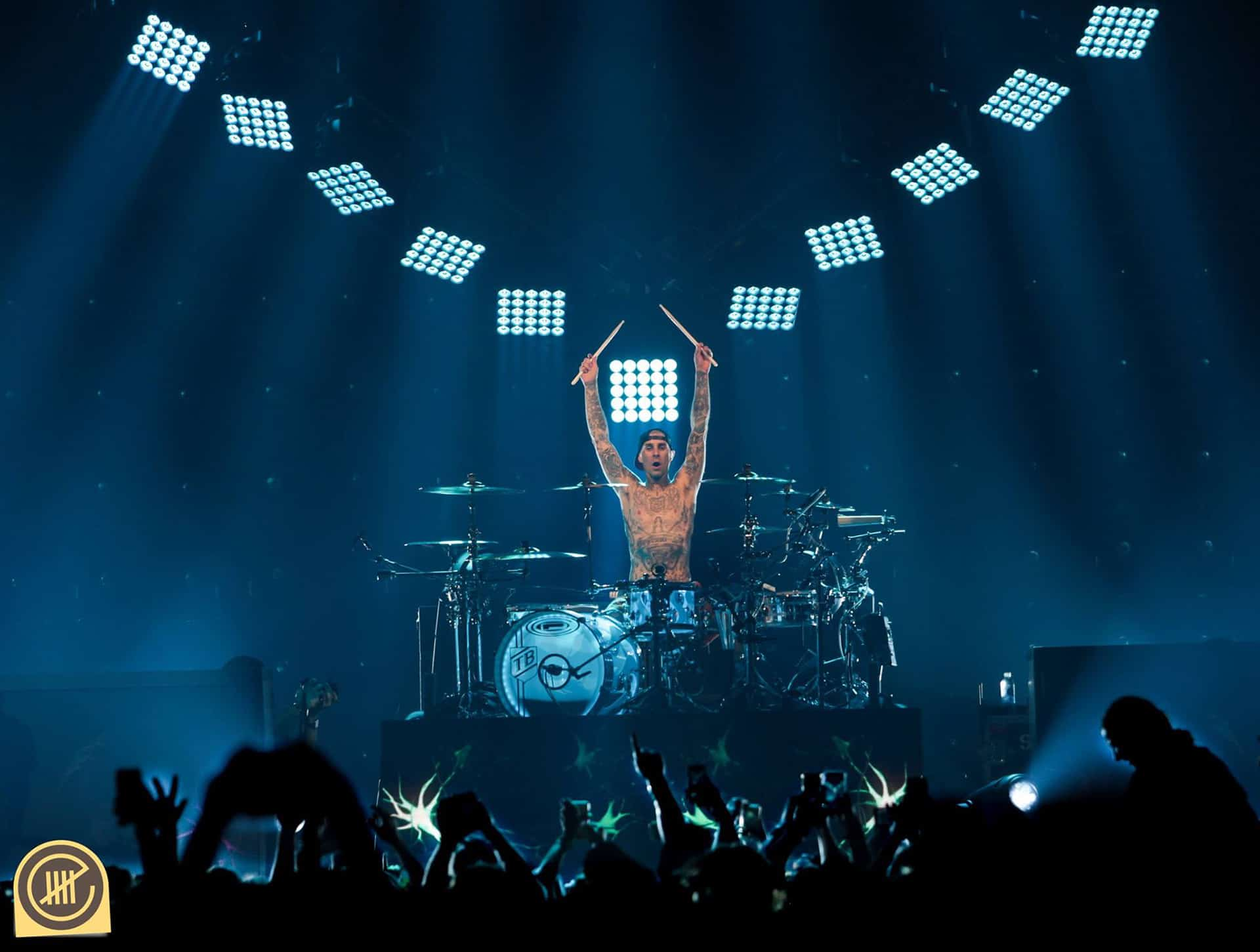 Blink 182 at The O2 Arena: Client – Neon Black